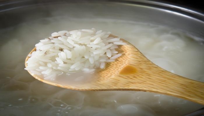 remojar arroz