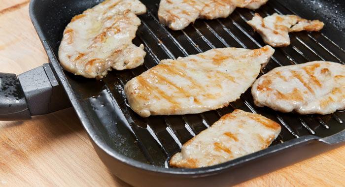 cocinar pollo a la plancha