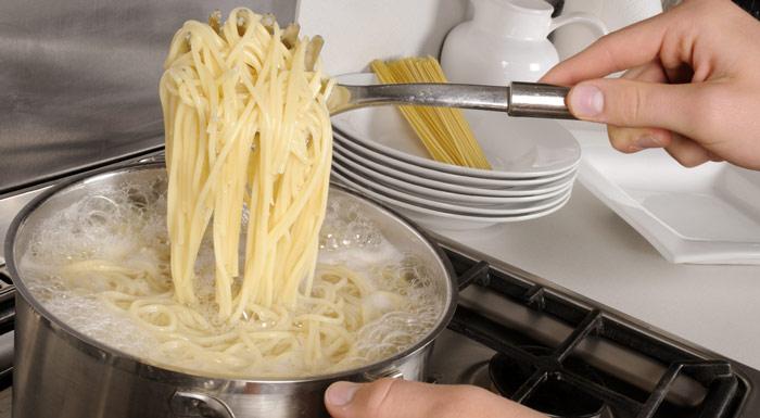 cocinar espagueti