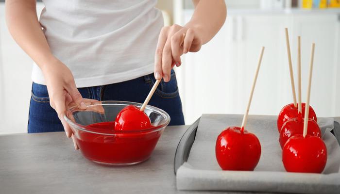 hacer manzanas de caramelo