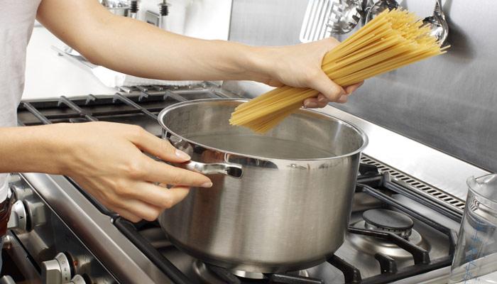 poner a cocer espagueti
