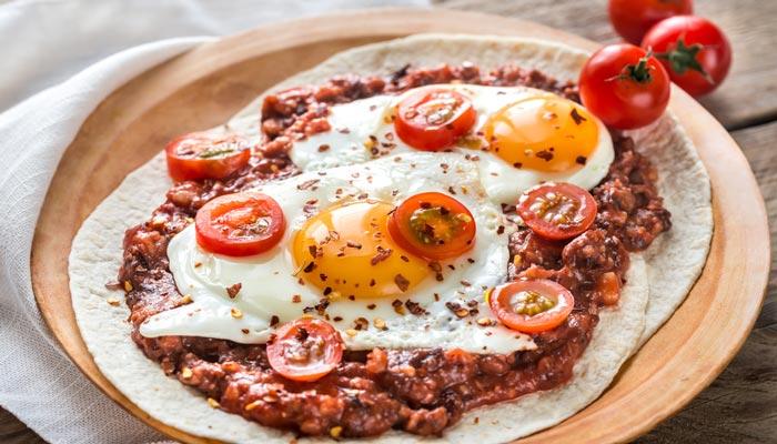 Huevos Rancheros Con Chorizo Chilaquiles roj...