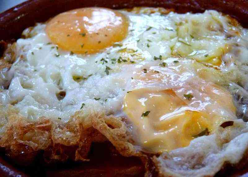 Cómo hacer un huevo frito