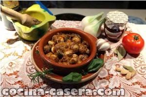 Caracoles en salsa picante con jamón