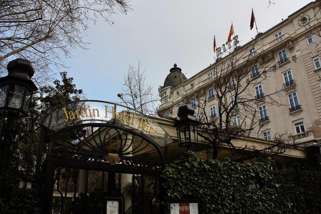Carta de tapas en el Ritz de Madrid
