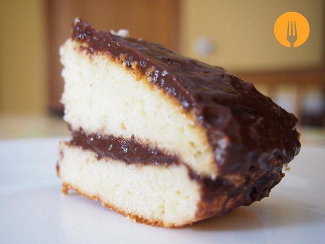 Bizcocho de manzana con cobertura de chocolate