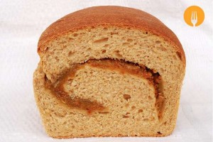 Pan de molde con mermelada