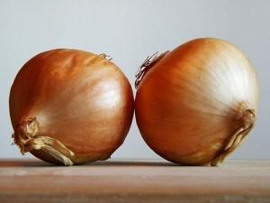 Los 6 mejores trucos para no llorar cortando cebolla