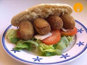Falafel con garbanzos. Recetas árabes