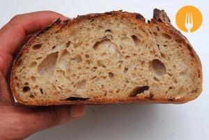 Pan casero de cebolla y tomillo