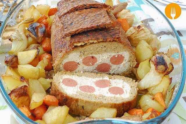 Asado vegano con guarnición de patatas y verduras