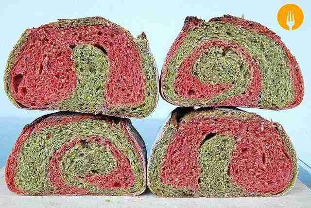 Pan de espinacas y remolacha
