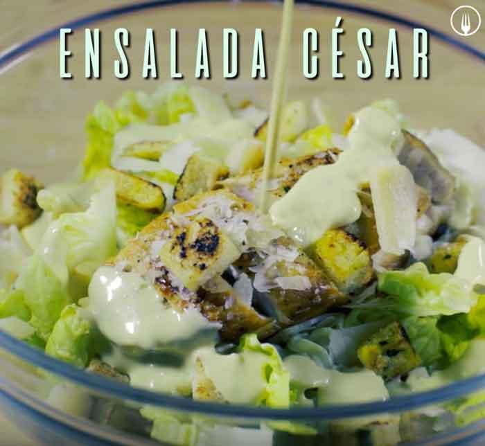 Ensalada Cesar con Pollo - Ensaladas navideñas fáciles