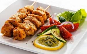 ¿Hacer cinco comidas al día ayuda a perder peso?