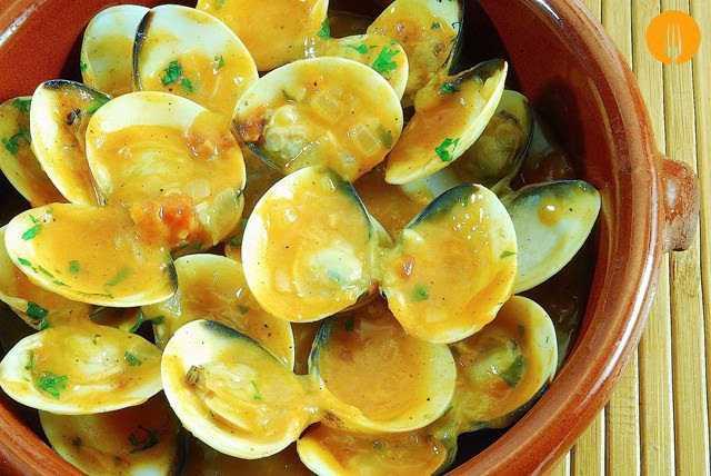 Almejas a la Marinera. Receta Fácil en salsa con Vídeo