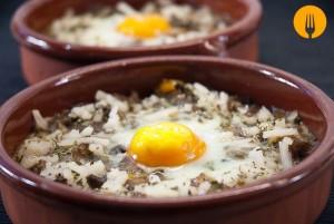 Huevos al horno. Receta fácil con Vídeo