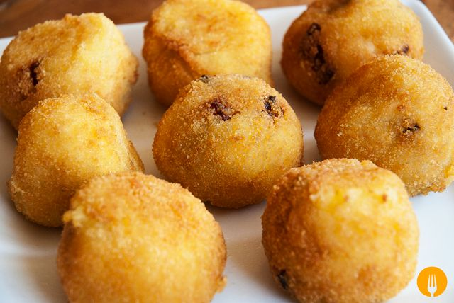 bolas de patata de chorizo