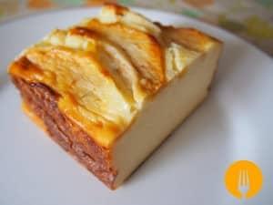 Tarta casera de queso y manzana