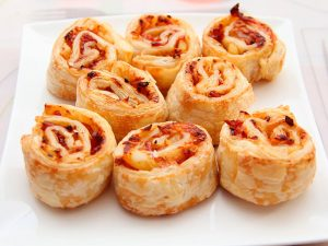 Pizza rolls hawaianos