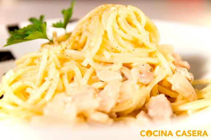 espaguetis a la cabonara