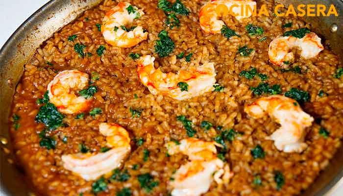 arroz con gambas o camarones