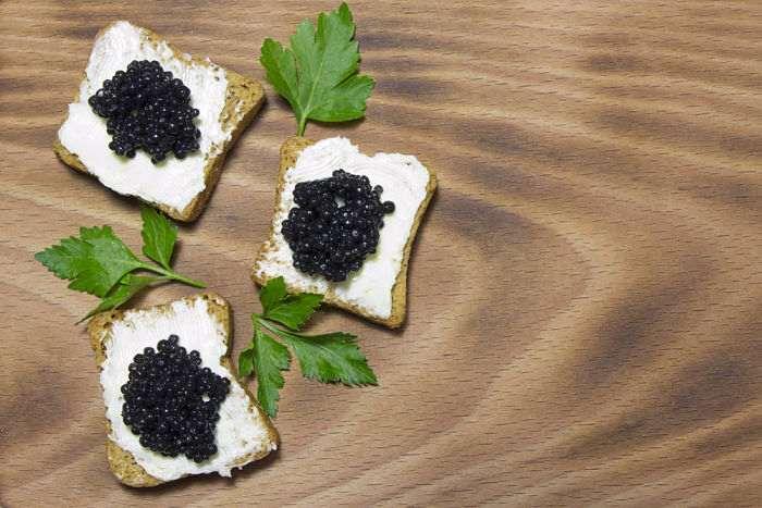 bizcocho-caviar-queso