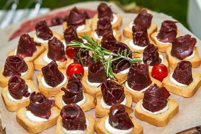 canapes-carne-buey