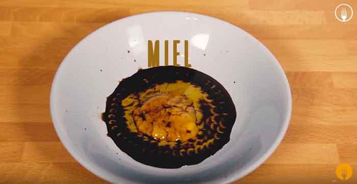 Ensalada de Espinacas con Salsa de Miel y Mostaza
