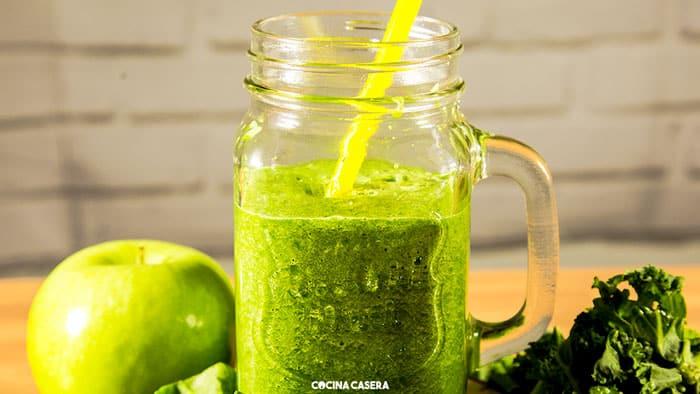 Zumo Verde Detox con Kale