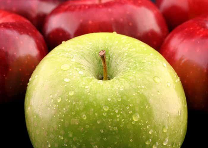 Manzanas verdes o manzanas rojas