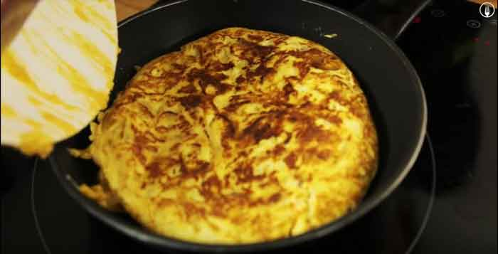 Tortilla de patatas con chorizo