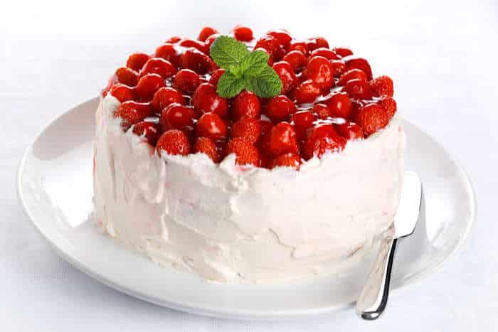 tarta nata y fresas