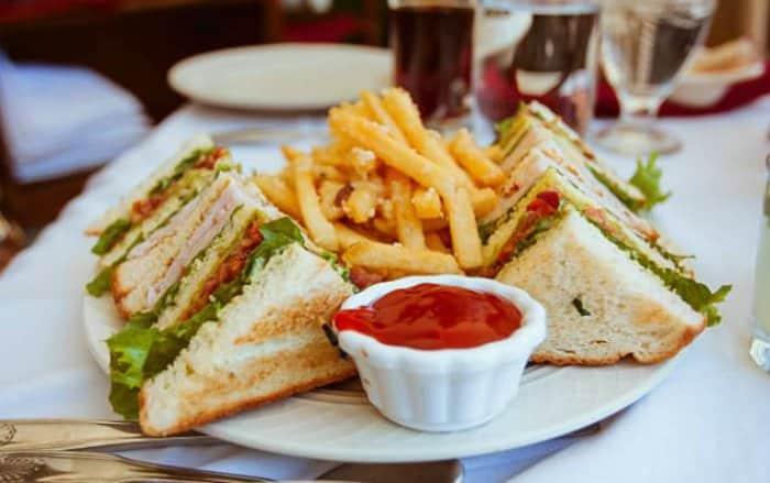 sándwich club o club sandwich