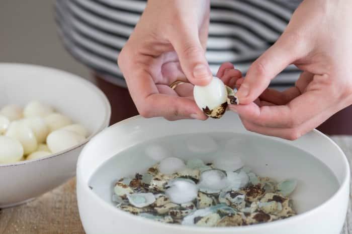 cocer huevos de codorniz