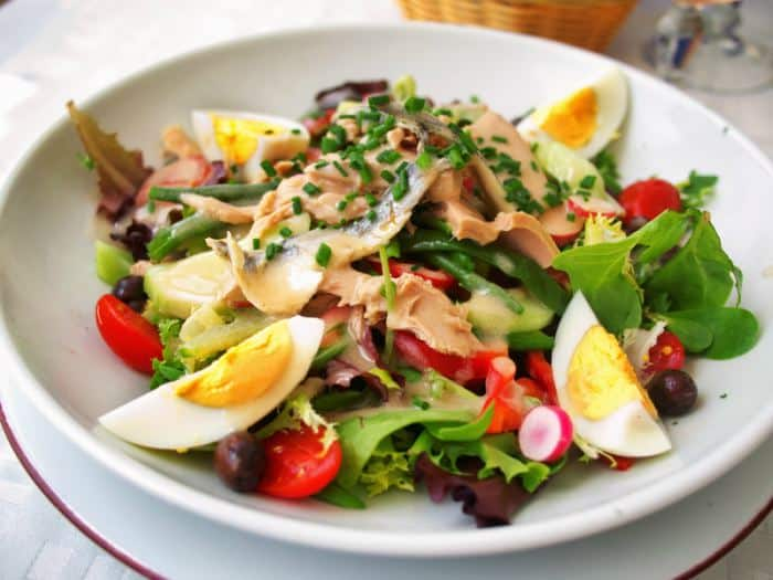 ensalada nicoise francesa o ensalada nizarda