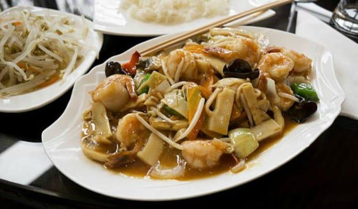 Chop suey con pollo y verduras