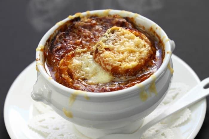 sopa de cebolla frencesa