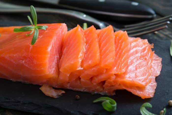 Cómo hacer salmón ahumado casero