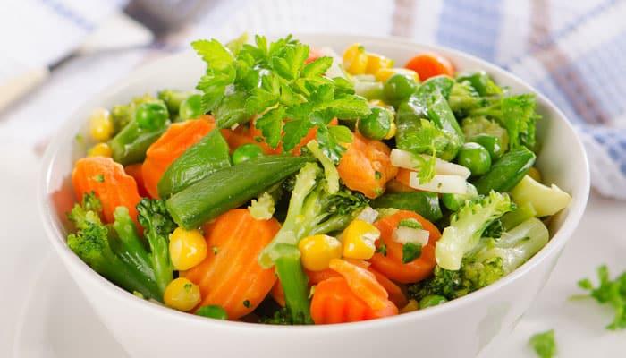 plato de verduras al vapor
