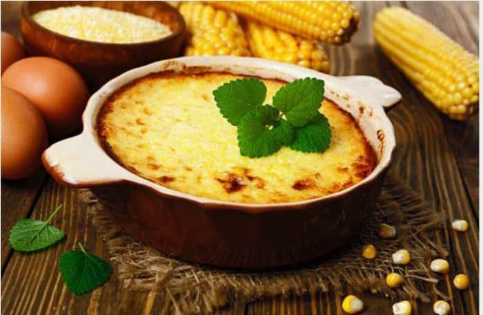 Pastel de choclo con queso o pastel de humita -comida platos tipicos de ecuador
