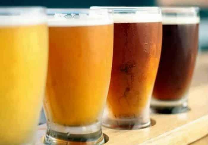 vasos de cerveza casera