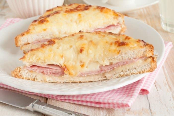 Sandwich con bechamel