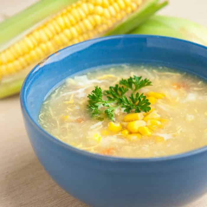 Sopa de maiz y pollo
