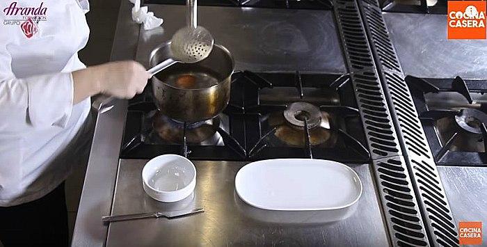 preparar Huevos Mollet