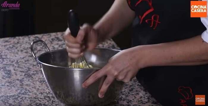 batir mantequilla para galletas