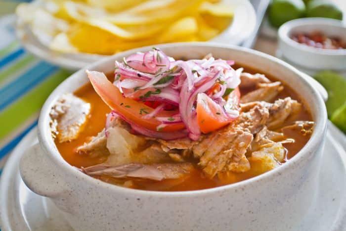 comida platos tipicos de ecuador -Encebollado de pescado