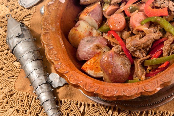 pique a lo macho - platos tipicos de bolivia