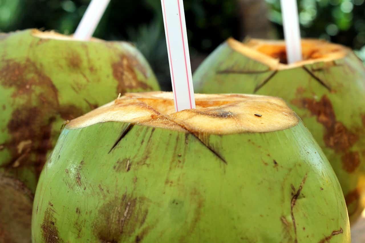 Coco con pajita
