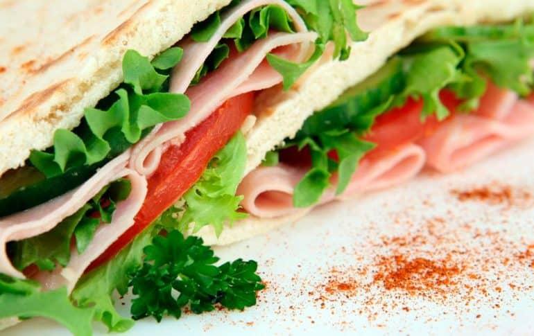 Picar entre horas: consejos para saber qué comer y como hacerlo