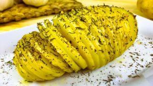 Patatas Hasselback o Patatas Laminadas al Horno con Vinagreta